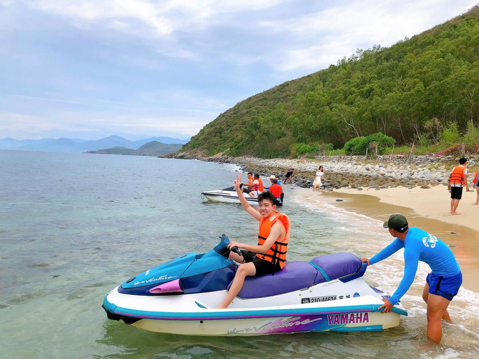 Tour Hòn Chồng - Đảo Tình Yêu trong ngày 8