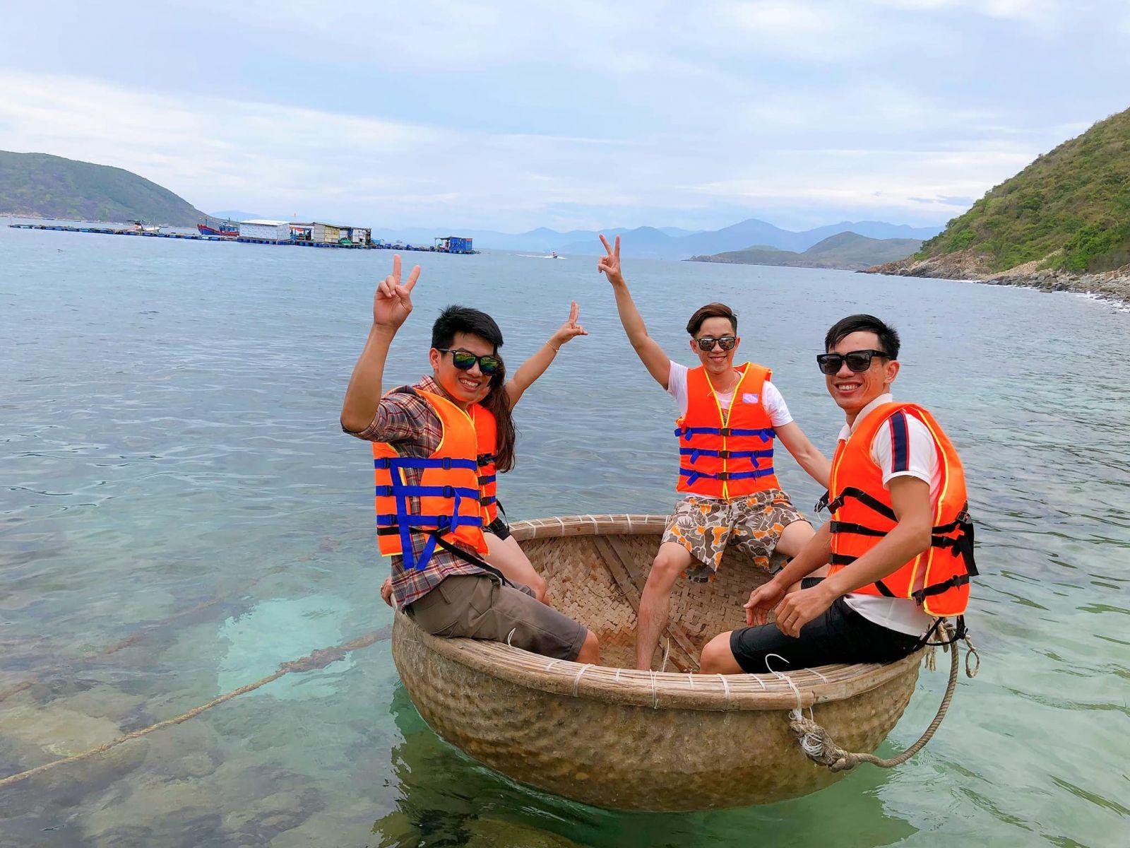 Tour Hòn Chồng - Đảo Tình Yêu trong ngày 9