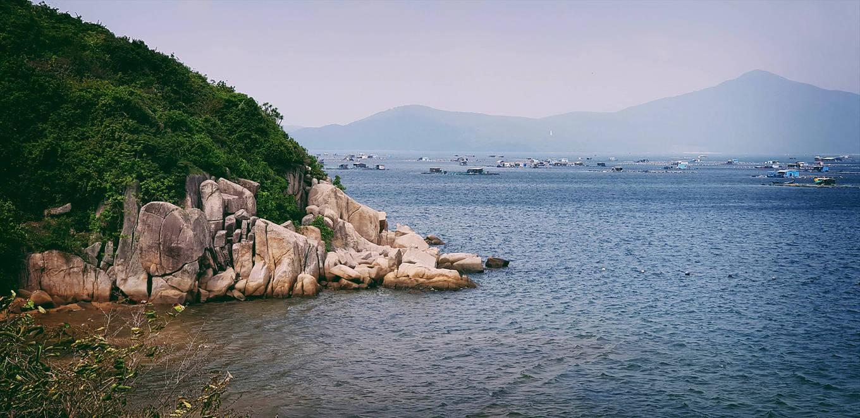 Những bãi biển hoang sơ nằm không xa khu đông đúc - 3