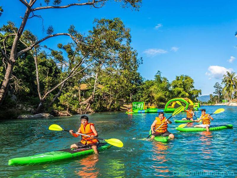 Tour khu du lịch Ba Hồ - Đảo Tình Yêu 3